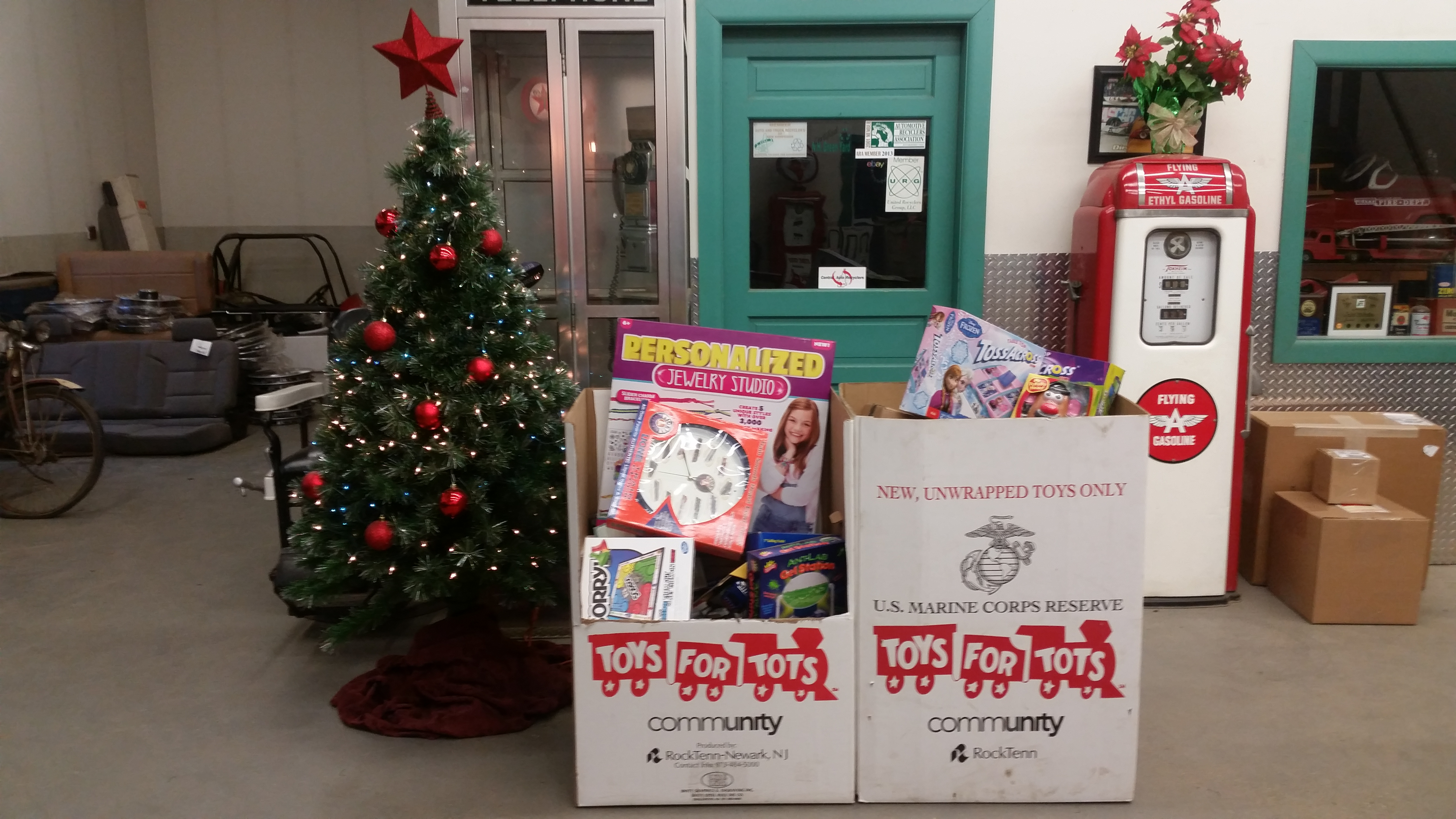 toys-for-tots-drive